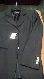 vand 2 jachete (sacou)noi de marca buna, italiene din otiv ca sunt mic